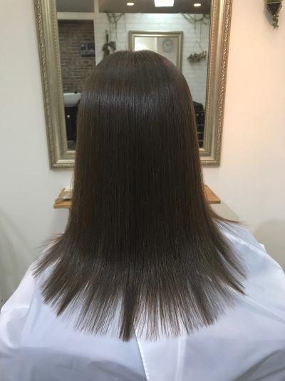 最新縮毛矯正でツヤツヤ美髪